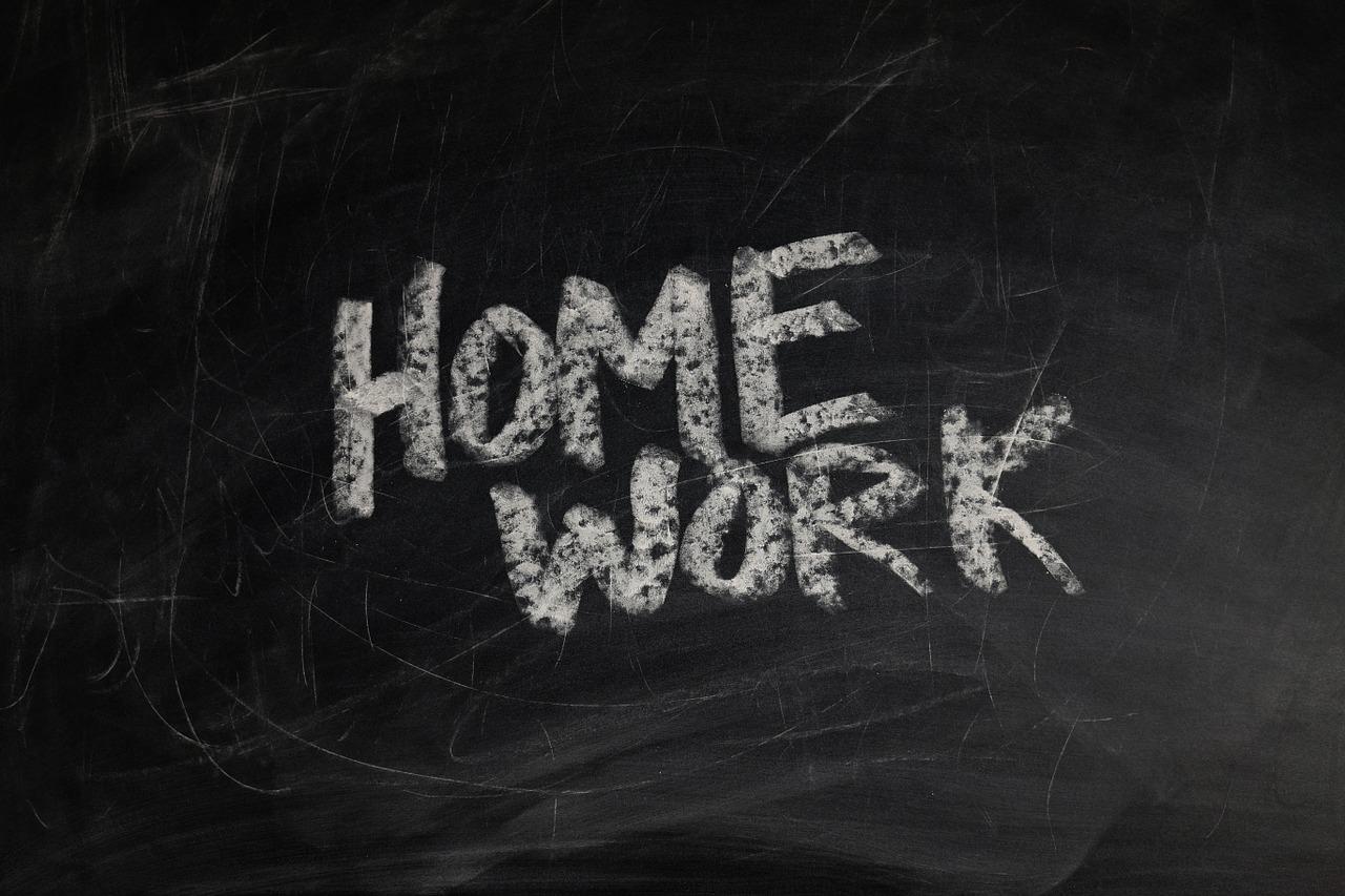 homework blackboard-928381_1280